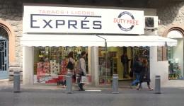 De toldfrie butikker ligger tæt på hovedgaden i Andorra la Vella og ved grænserne til Spanien og Frankrig